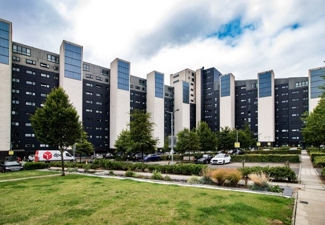 Apartment in Glasgow - Lancefield Quay - SECC & Hydro Arena, parking available