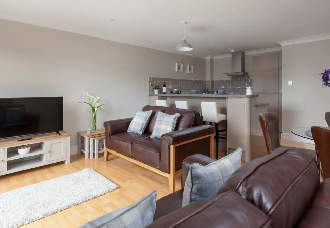 in Glasgow - The Bridge - Two bedrooms, Central Location, Parking available
