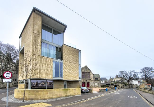 Apartment in St Andrews - Central Two Bedroom Luxury Apartment with balcony