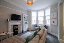 Apartment in Glasgow - Nairn Apartment - West End close to...